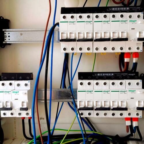electricistas urgentes Coirós