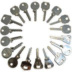 los cerrajeros usan como herramientas llaves de percusion