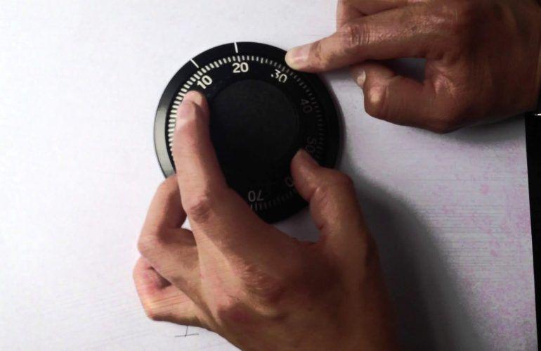 caja fuerte de dep/ósito Nivel de seguridad A cerradura con llave Caja fuerte tipo buz/ón caja fuerte con ranura