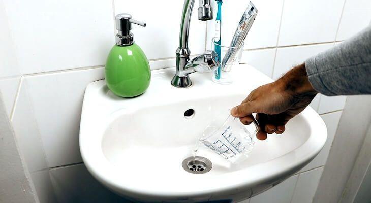 remedios caseros para desatascar un fregadero