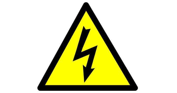 ¿Por qué algunos países usan electricidad de 110v y otros de 220v? ¿Cuál es mejor?